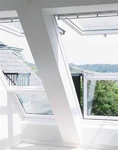 Stresne okno s balkonom cena